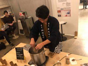 コオロギ味噌汁