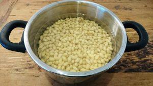大豆の水煮準備